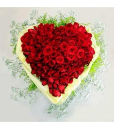 60 Heart shape Red Roses