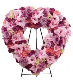 Picture-Perfect Flower Heart Wreath  Send to Philippines
