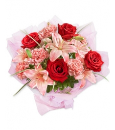 6 Red Roses,6 Pink Carnations and 3 Perfume Pink lilies