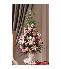 Gorgeous Fowers Arrangement  Send to Philippines