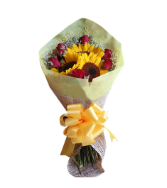 roses with sunflowers in bouquet
