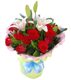 12 Red Roses with Lily