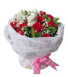 12 Kunming Red Roses