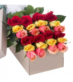 2 Dozen Assorted Color Roses in a Box Send to Philippines