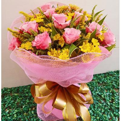 One Dozen Pink Roses Bouquet
